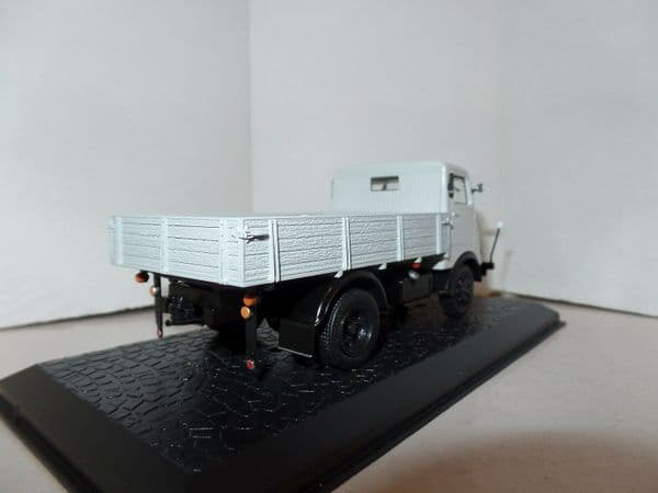 Atlas Editions HZ21 1:43 Scale East Germany IFA Horch H3 - Pickup Grey
